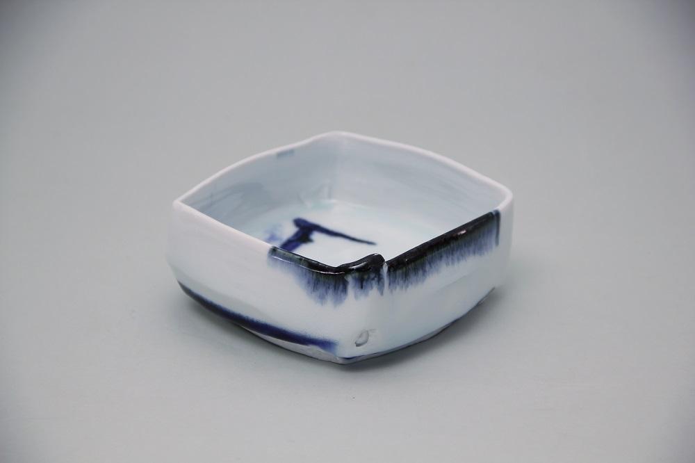 「染付角鉢E」 ¥10,800 W:12.6、D:12.2、H:5.3(㎝)