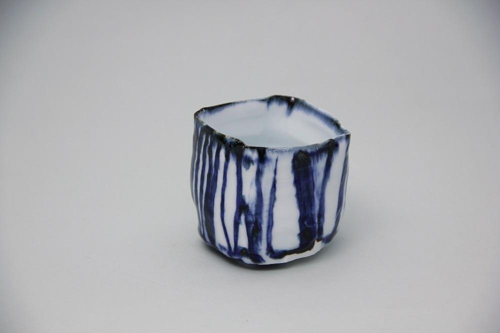 「角カップ」 ¥10,800 W:8.3、D:8、H:8(㎝)