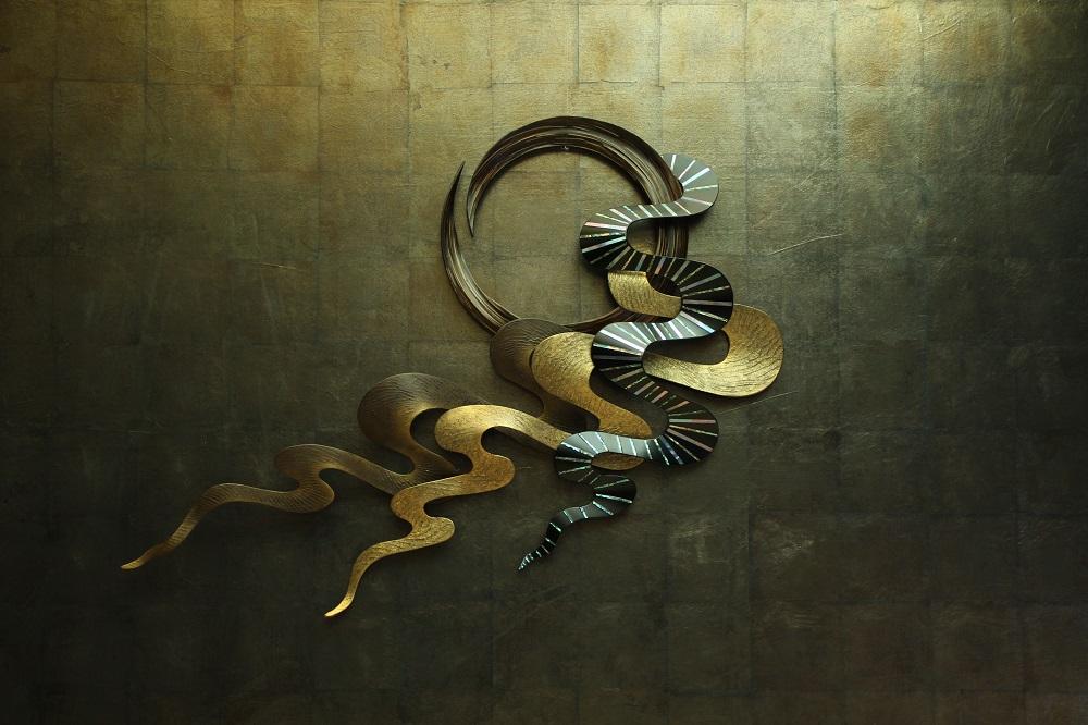 """""""apsara""""(2013) 乾漆-漆、麻布、竹、金粉、金箔、鮑貝、夜光貝 ¥700,000(税別)"""