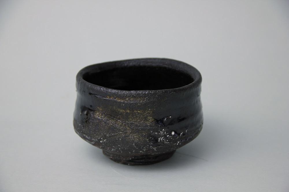 「引出黑茶碗」(三藤-12) ¥54,000 Φ11.8、H:7.7(㎝)